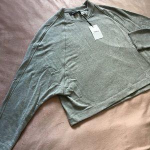 Theory brand new bat wing sweat shirt grey, medium